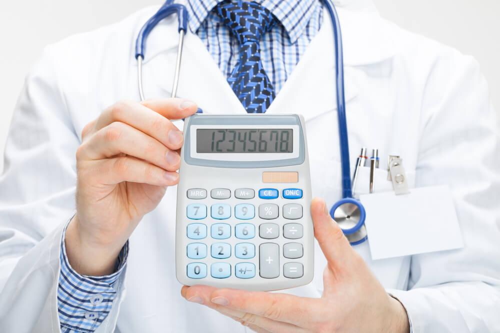 como fazer a gestão financeira da clínica médica com o ClinicWeb
