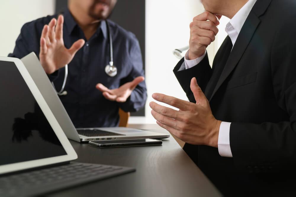 obstaculos da gestao clinica no brasil