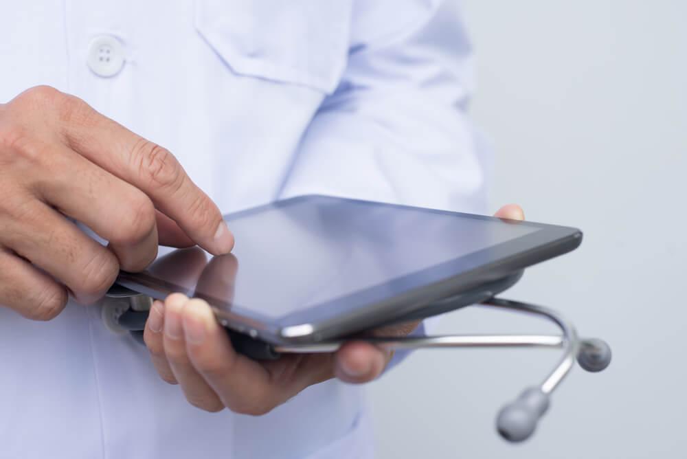 sistema de gestão online como usar um pode melhorar o relacionamento com sua equipe médica
