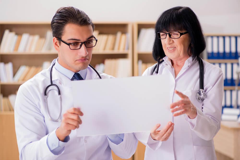 Vantagens e desvantagens do prontuário eletrônico para sua clínica